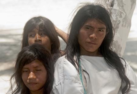 サンタ マルタ、コロンビア - 9 月 4日:KOGUIインディアン 2010 年 9 月 4 日にサンタ Marta、コロンビア。タイロナ文化の子孫が、彼らはコロンビア山 報道画像