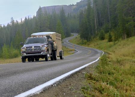 empedrado: Las montañas Thruought de conducción de vacaciones