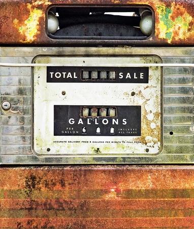 bomba de gasolina: Vintage ventas de combustible de la bomba de primeros planos