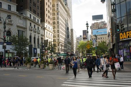 NEW YORK - SEPTEMBER 30  Manhattan daily life scene on September 30, 2013 in New York, USA  Manhattan Business Center is considered the financial heart of New York City