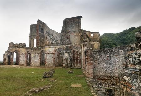 independencia: Las ruinas de Sans-Souci Palace en Milot, Hait�