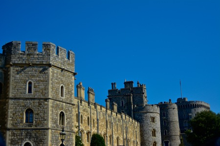 View From Ouside Windsor Castle with Blue Skies Redakční
