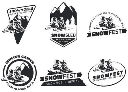 겨울 스노우 모빌 엠블럼, 배지 및 아이콘의 집합입니다. 스노우 모빌 겨울 승마 여행, 눈 썰매와 스노 모빌 디자인 요소입니다.