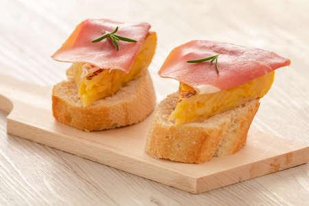 still life with spike typical Spanish potato omelette tapas Standard-Bild