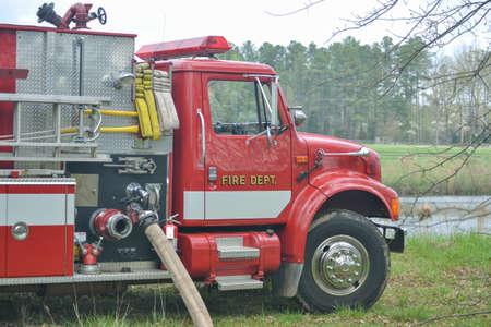 motor ardiendo: Cami�n de bomberos de Trabajo
