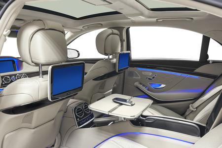 interior del coche. Cómodo salón moderno Foto de archivo