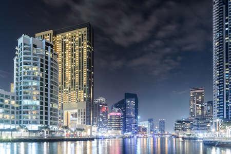 View of the region of Dubai - Dubai Marina is an artificial canal city in Dubai 版權商用圖片 - 147831171