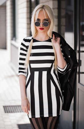 Portrait of blonde model outdoors 版權商用圖片