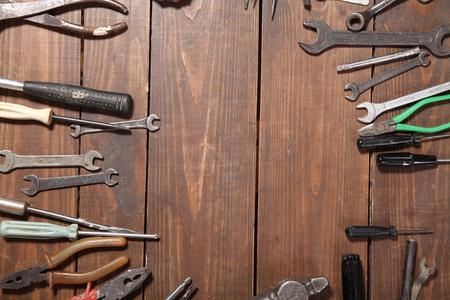 gereedschap voor reparatiemessen hamertangtang Stockfoto