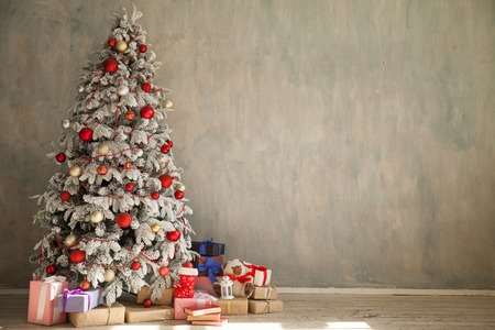 Christmas new year tree holiday winter gifts decorations background Banque d'images - 112141462