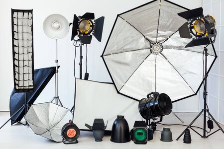 Photo studio flash equipment accessories of a professional photographer Banque d'images - 132556846