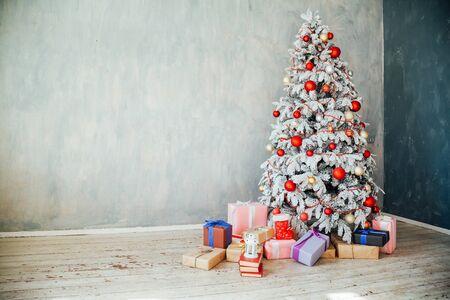 Árbol de navidad decoración regalos año nuevo vacaciones invierno