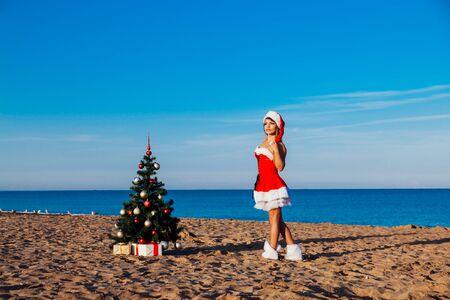 nowy rok choinka Beach Resort Morze dziewczyna Zdjęcie Seryjne