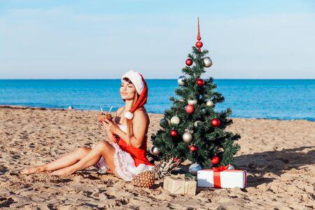 new year gifts for Christmas at the beach beach resort 版權商用圖片 - 134881322