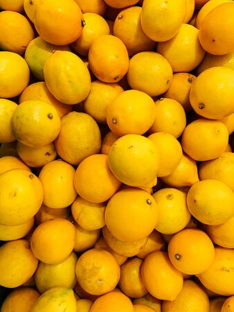 lots of yellow lemon citrus for eating like a background 版權商用圖片