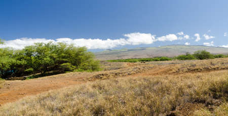 Trail at coast line between Waialea and Hapuna, Big Island, Hawaii 版權商用圖片