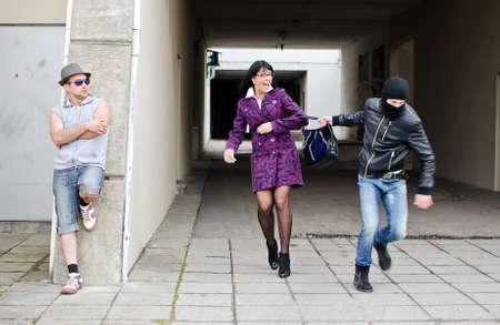 ladrones: Daylight Robbery en la calle. Ladr�n roba un bolso.