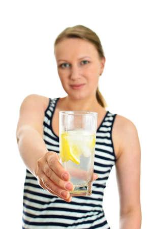 fr�chte in wasser: Attraktive Frau mit Glas Wasser, isoliert auf wei� Lizenzfreie Bilder