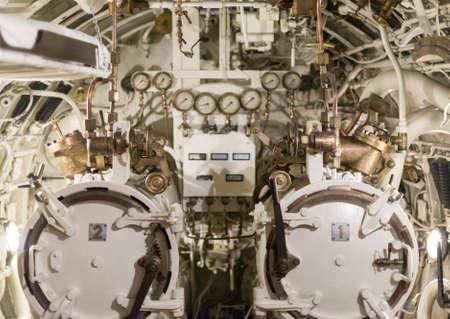 wojenne: Detailed view of torpedo room in submarine. Zdjęcie Seryjne