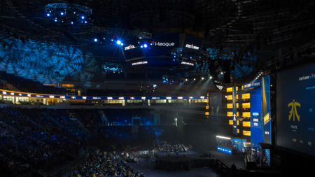MINSK, BELARUS - JANUARY 17, 2016 Starladder iLeague championship Dota 2 and Counter Strike Global Offensive. Side view of the stadium full of visitors. Redakční