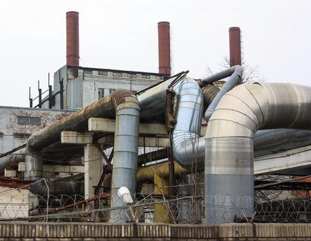 電気の発電所のパイプ
