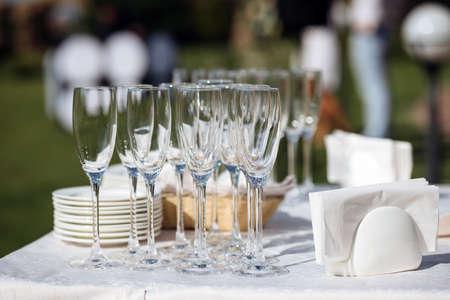 glasses of champagne alcohol cocktail wedding Standard-Bild