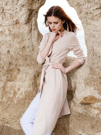 woman outdoors landscape fashion lifestyle Standard-Bild