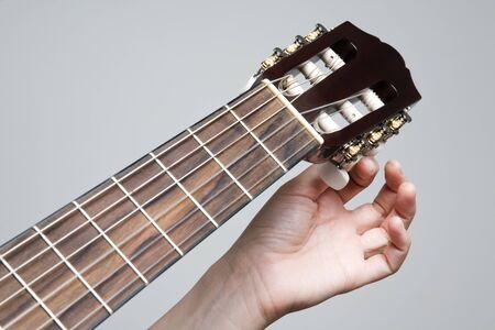 tuning: Tuning guitar