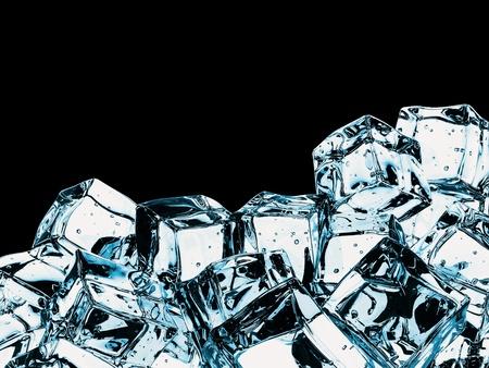 cubos de hielo: Cubos de hielo hermosos, aislados sobre negro