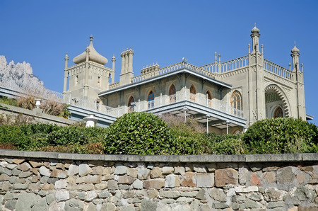 Architectural landmark - Southern side of the Vorontsov Palace in Alupka, Yalta, Crimea 新聞圖片