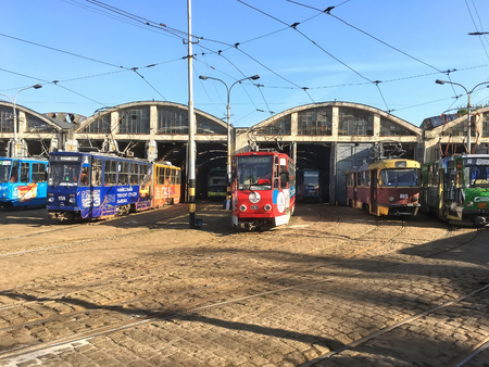 LVIV, UKRAINE - MAY 06: Trams parked at the tram depot in Lviv on May 06, 2017 in Lvov, Ukraine Редакционное