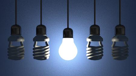 Gloeiende wolfraam gloeilamp opknoping onder uitgeschakeld fluorescerende die in sockets op draden op blauwe gestructureerde achtergrond Stockfoto