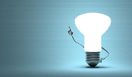 Glowing light bulb character in aha moment on blue background Imagens