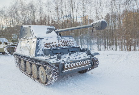 in the winter, the movement of German tank of the second world war.