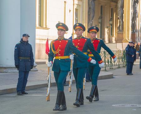 ロシア、サンクトペテルブルグ、2017 年 5 月 7 日 - ガード、勝利パレードのリハーサル。 報道画像