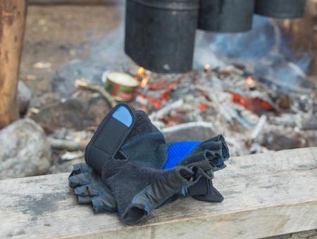 火災の背景に指なし手袋。 写真素材