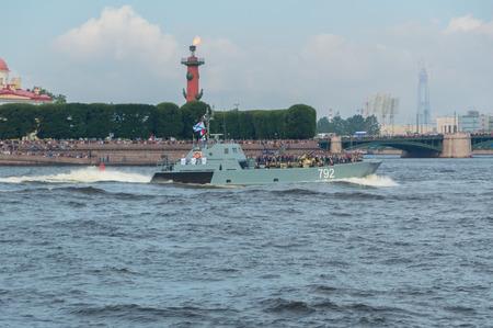 ロシア、サンクトペテルブルク、2017 年 7 月 30 日 - 海軍上陸用舟艇 792 の日パレード。 報道画像