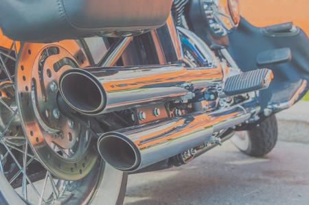 오토바이의 엔진 및 배기관