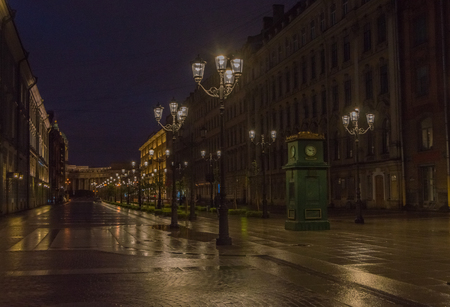 夜ライトと時計通り