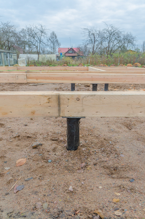the timber framing of the house on the basis of the pile Foundation
