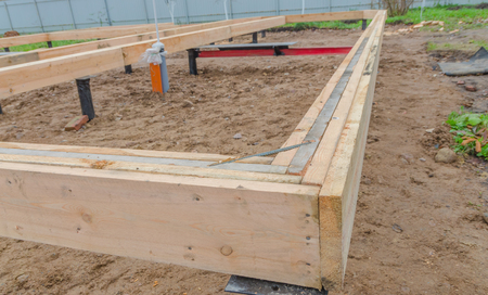 on the basis of the pile Foundation timber framing house