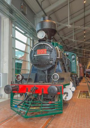 Rusland, Sint-Petersburg, 15, nov 2017 - overdekte spoorwegmuseum, paravozov en moderne treinen