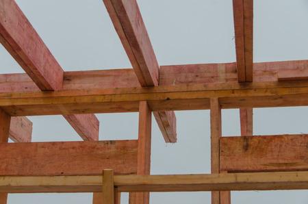 枠組みに基づく木造住宅の建設 写真素材