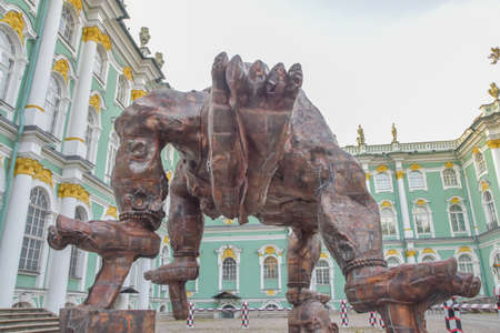 Russia Saint Petersburg September 28 2020-Hermitage courtyard performance by Chinese artist Zhang Huan five - legged Buddha made of copper 에디토리얼