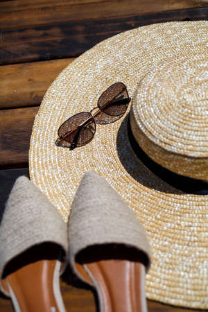 Women's mules hat and sunglasses, set for vacation
