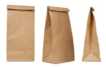 papel reciclado: Bolsa de papel de Brown establece aislado en fondo blanco Foto de archivo