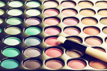 化粧ブラシ化粧パレット。フィルター処理されたイメージ