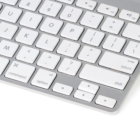 teclado de computadora: Teclado de ordenador aislado en fondo blanco