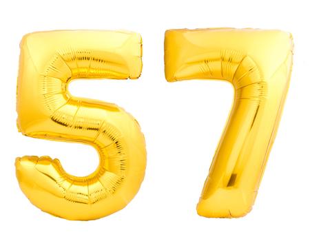 흰색 배경에 고립 된 풍선 풍선 만든 골든 번호 57 57