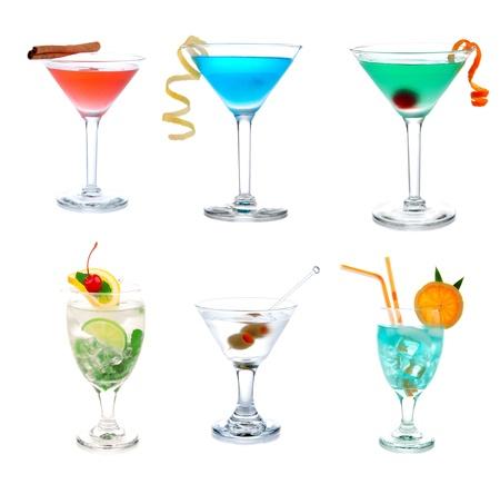 coctel margarita: Colecci�n de c�cteles collage Popular Blue Hawaiian, Tropical y cl�sico Martini, Cosmopolitan y Mojito cocktail de bebidas aislado en un fondo blanco Foto de archivo